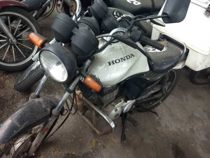 Leilão do DETRAN tem Honda CG 125cc Cargo a R$ 100
