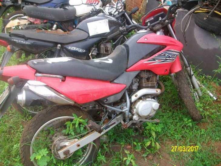 Leilão tem Honda NXR 150cc 10/10 a R$ 1,5 mil