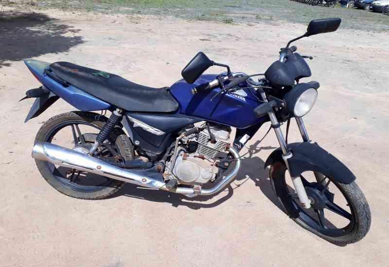 Leilão tem Honda CG 150 Titan KS com lance inicial de R$300