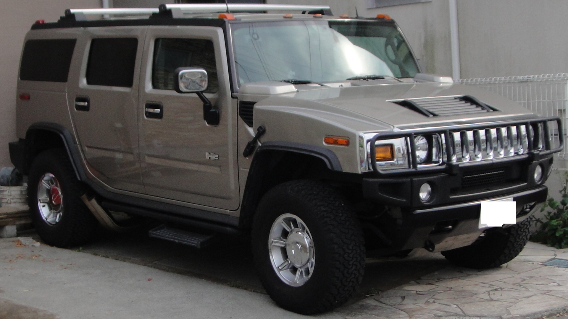 Exotic Hummer H2 on Military Use