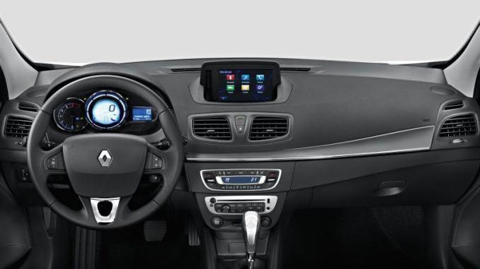 Interior do Renault Fluence 2019
