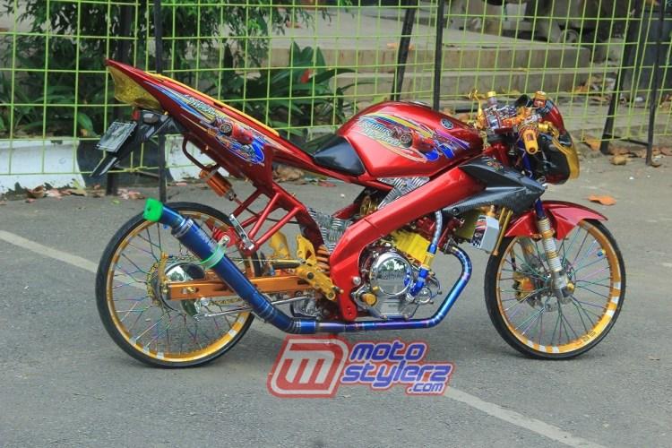 Modifikasi Vixion-Enggan Frontal Demi Rookies Racing