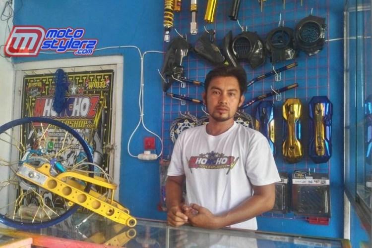 Bang Mhonchoz-Usaha Barunya Mulai Berkibar Se Pulau Sumatera