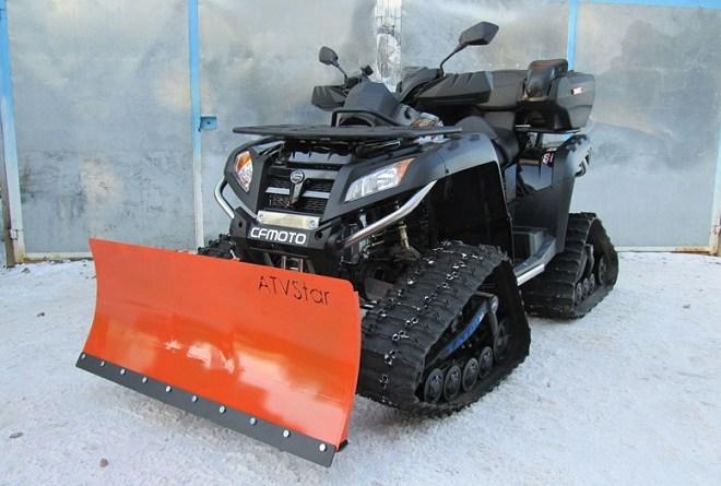 Уборка снега квадроциклом с отвалом