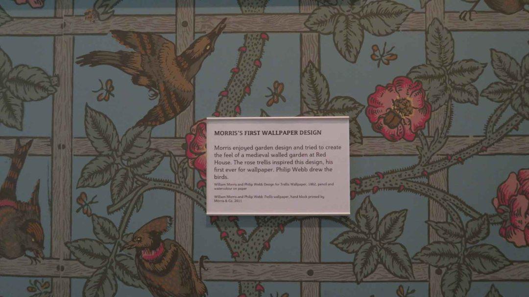 Morris and Company trellis wallpaper