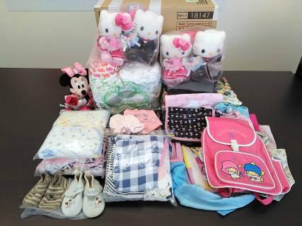 子供服、バッグなどをお送り頂きました♪