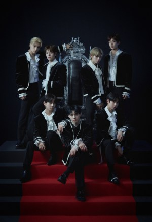 ENHYPEN, sold 220,000 copies on the first day of their debut... Complete reception of domestic and international album charts