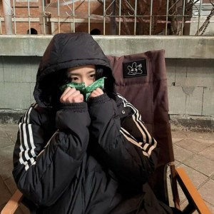 BLACKPINK Jisoo shows off her 'cute charm' with hot pack