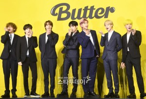 BTS,'Top Selling Song' Awarded '4 Crowns'... ;Dynamite' blast proved [2021 BBMAs]