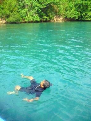 Berenang sebentar di Selat Lembeh