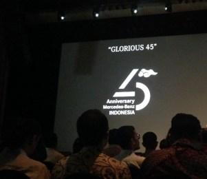"""""""Glorious 45"""" sebagai slogan perayaan"""