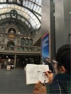 Sheila juga sketching stasiun kereta Antwerp
