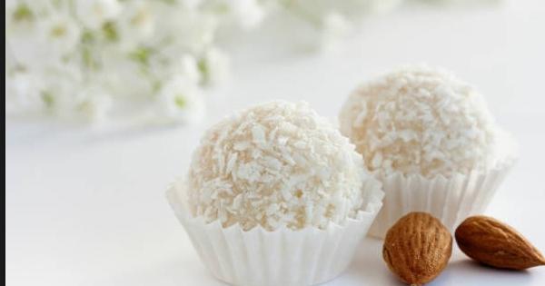 DOMOWE RAFAELLO – ZDROWA KOKOSOWA UCZTA / bez cukru i mąki