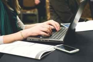 woman-typing