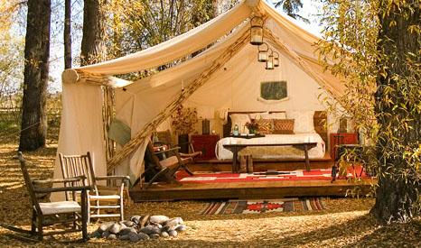 mounira naar de camping