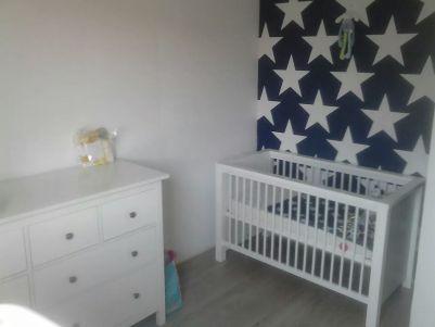babykamer jongen sterren