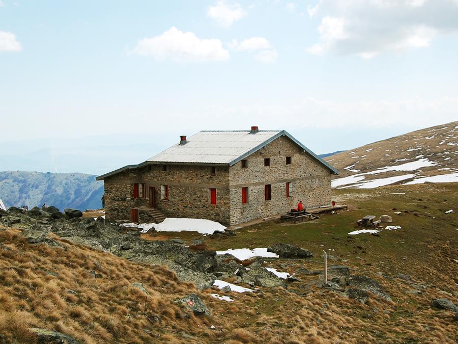 Mountain hut at Golemo Ezero – Pelister (2218m)