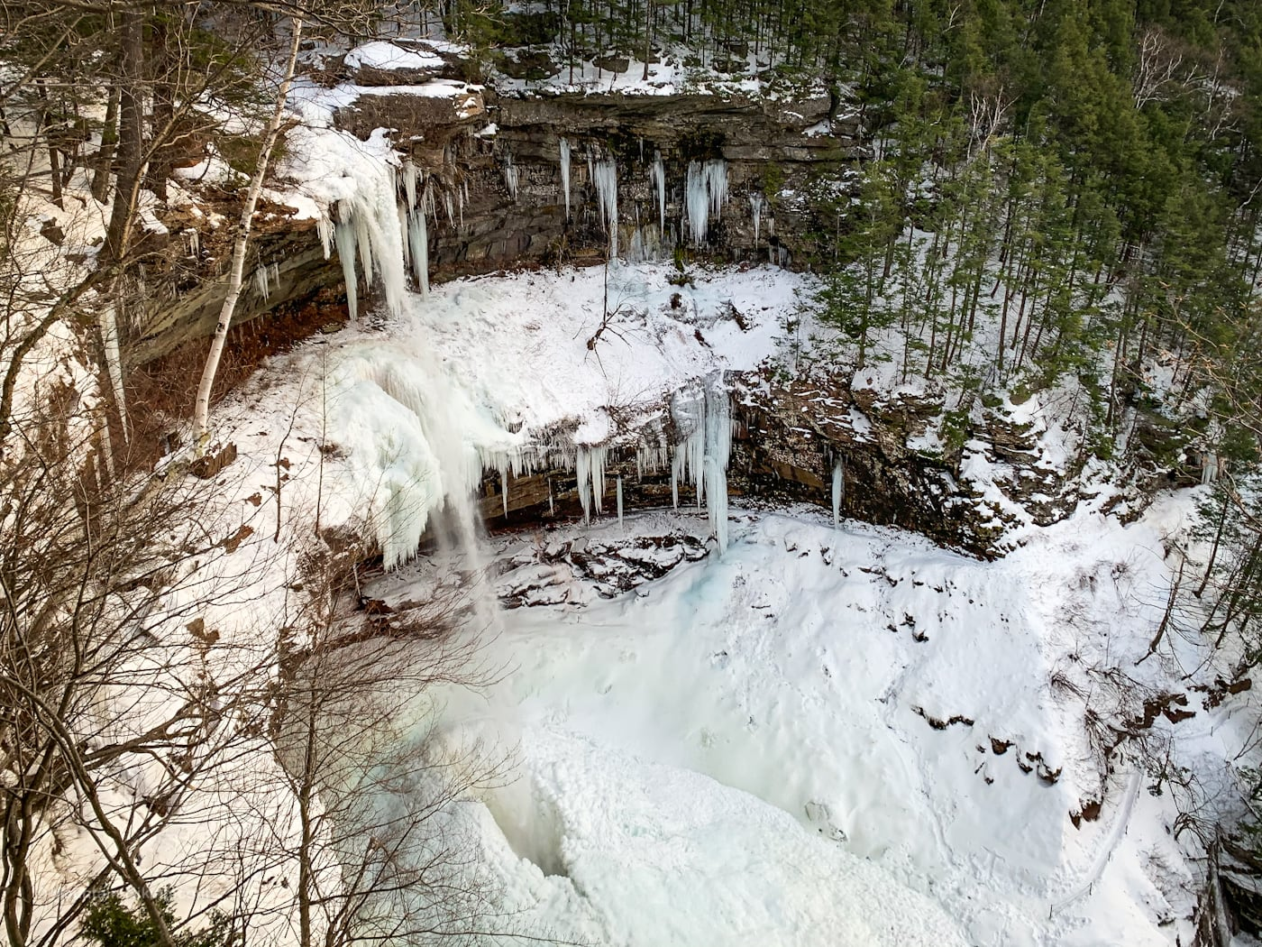 Iced-up Kaaterskill Fals