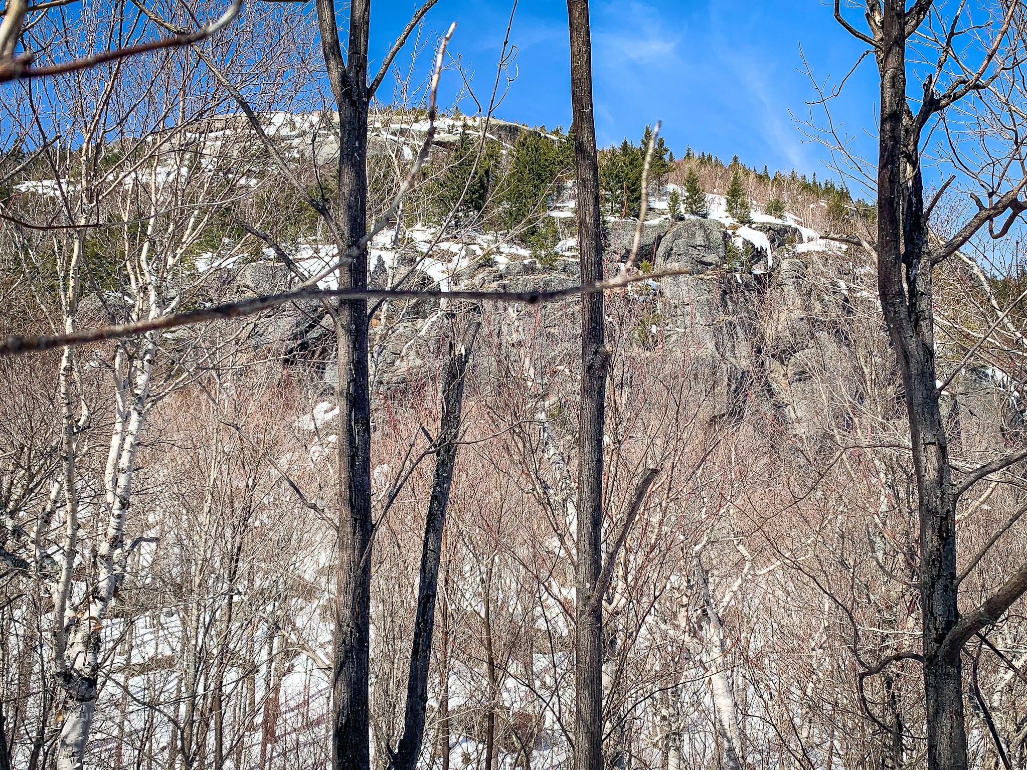 rocky cliffs below balanced rocks