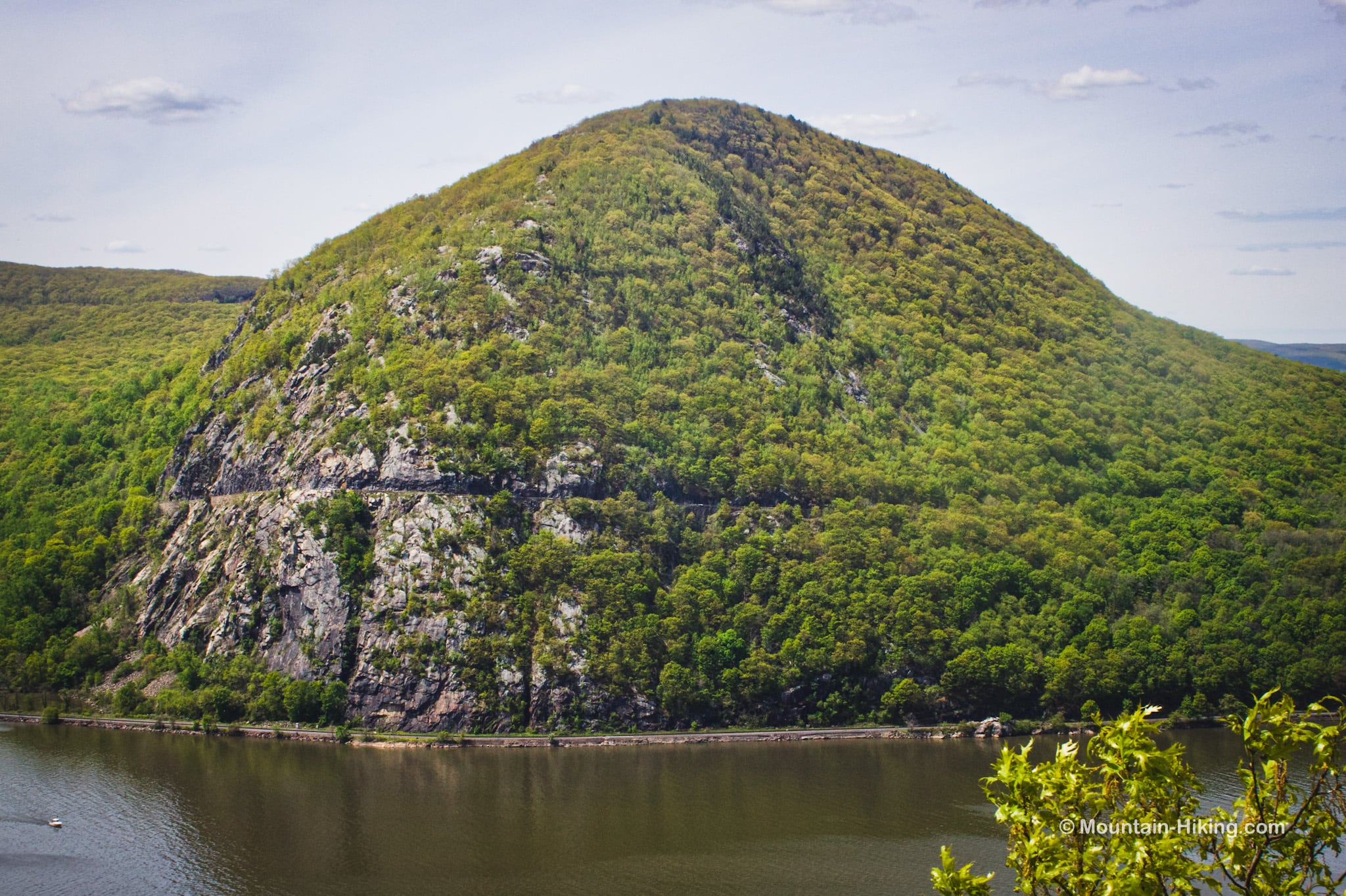 storm king and boat