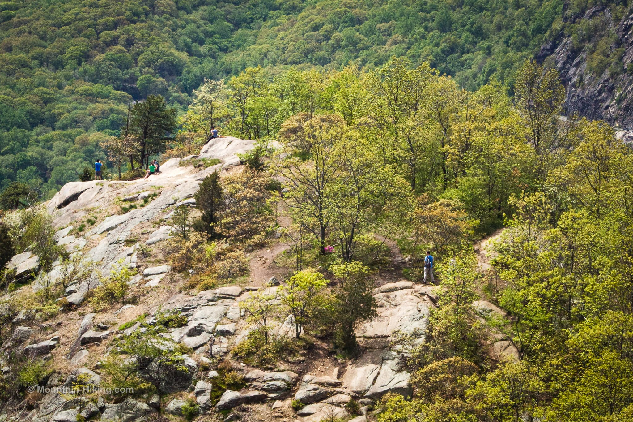hikers on breakneck ridge