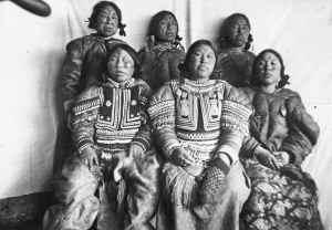 Examples-of-Inuit-Facial-Tatoos