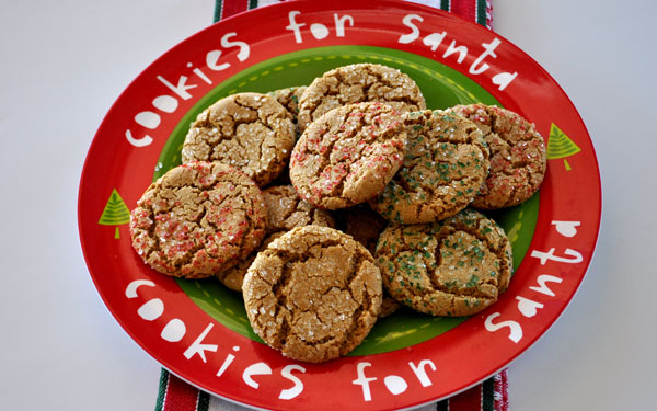 molasses-cookies-platter