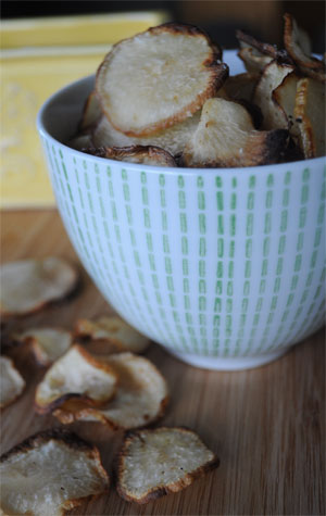 oven-baked-turnip-chips