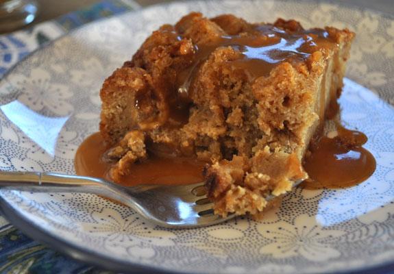 brown-sugar-bread-pudding-recipe-caramel-sauce-mountain-mama-cooks-4