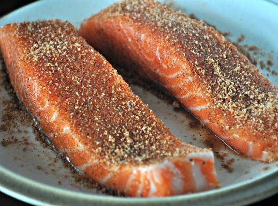 weeknight-blackened-salmon-recipe-mountainmamacooks
