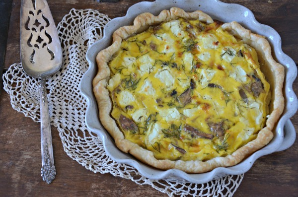 Caramelized Onion, Mushroom and Goat Cheese Quiche, www.mountainmamacooks.com