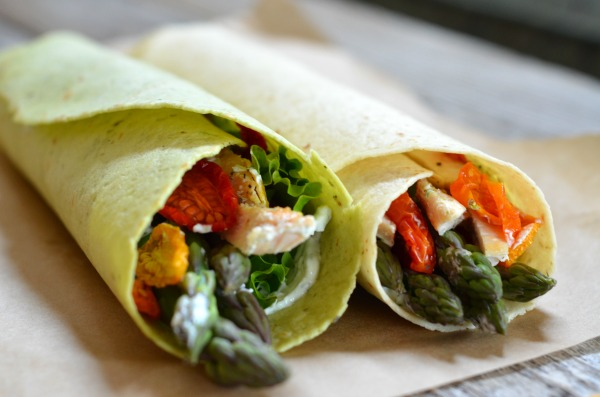Asparagus & Chicken Wraps with Dill Cream Cheese | mountainmamacooks.com