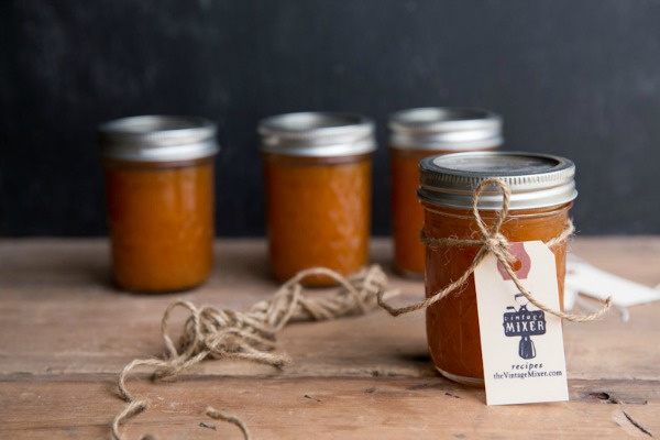 Maple Vanilla Apricot Jam | #canningweek14