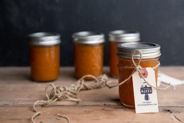 Maple Vanilla Apricot Jam | #canningweek14