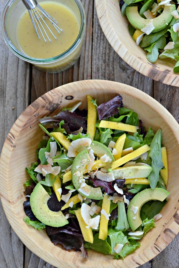 Avocado Mango Salad with Citrus Poppy Seed Dressing | mountainmamacooks.com