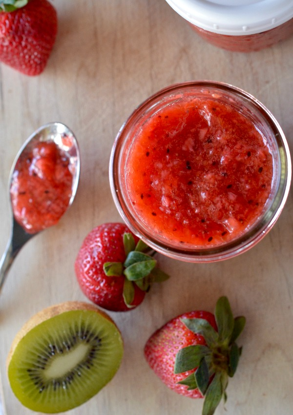 Strawberry Kiwi Freezer Jam | mountainmamacooks.com