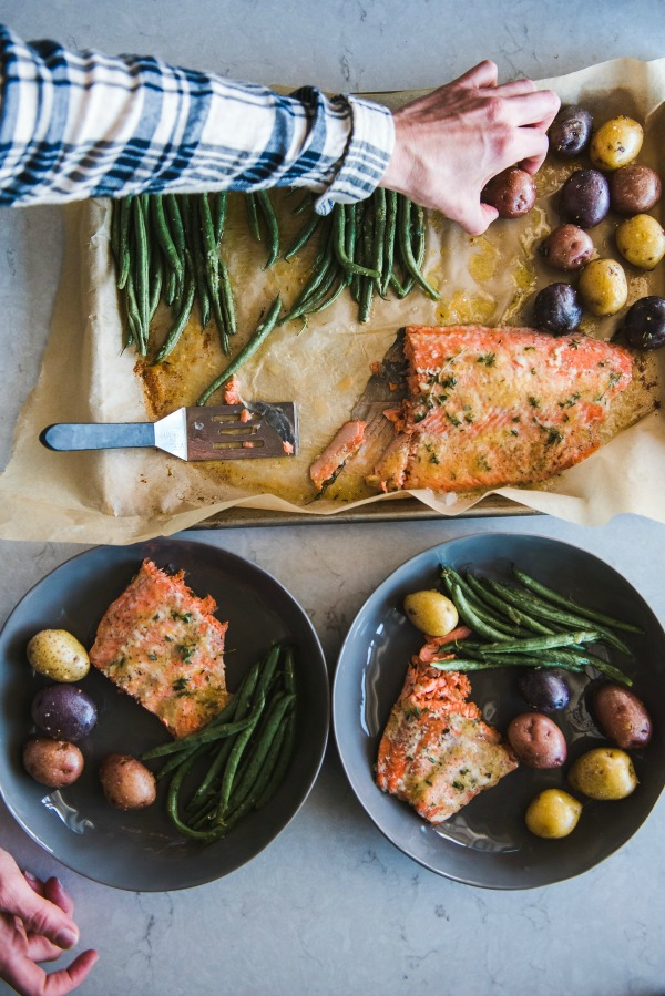 Sheet Pan Salmon Dinner | www.mountainmamacooks.com