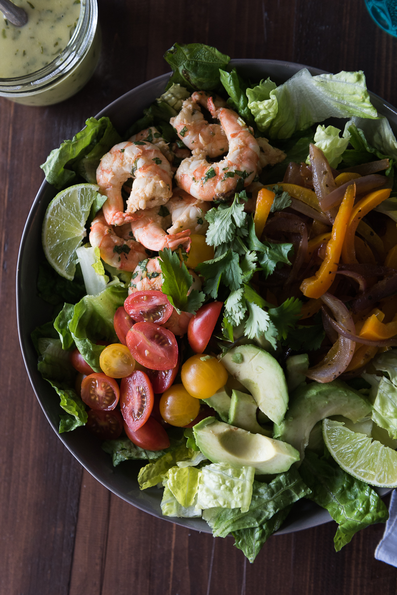 Shrimp Fajita Salad | www.mountainmamacooks.com