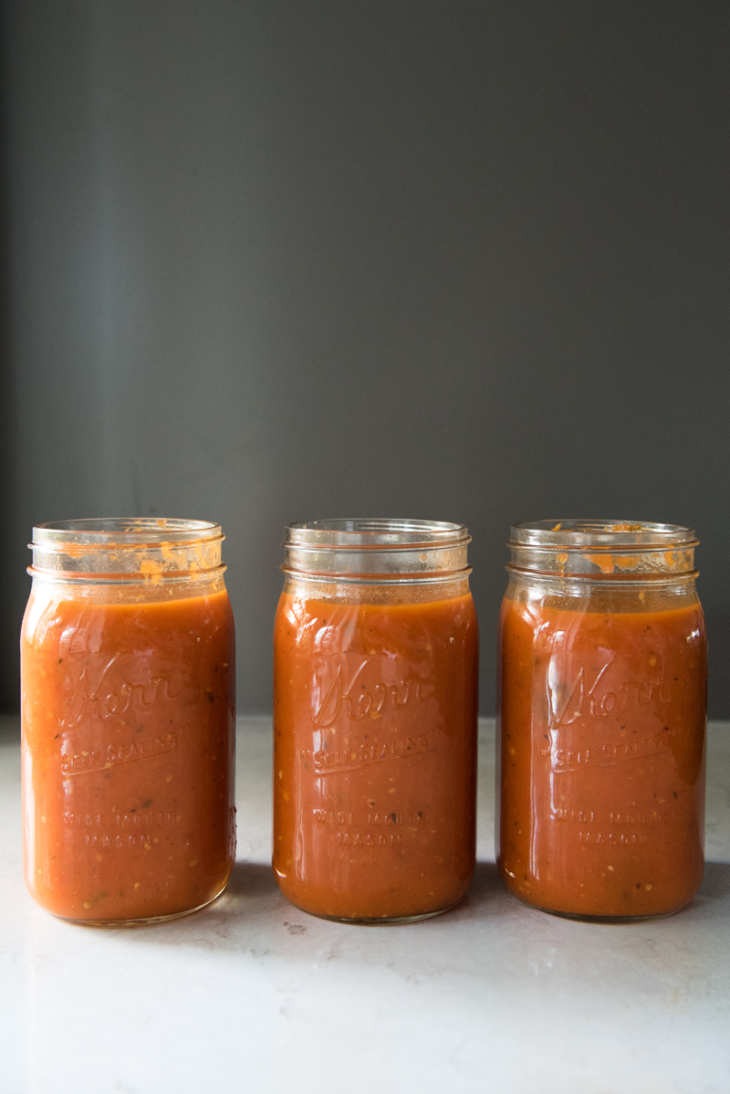 Slow Cooker Fresh Tomato Sauce | www.mountainmamacooks.com