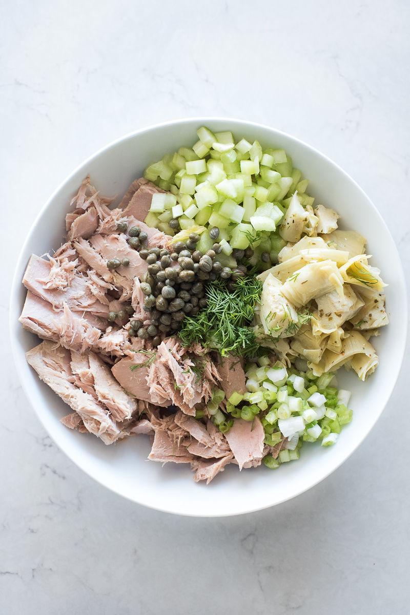 Mediterranean Tuna Salad with Greek Yogurt | www.mountainmamacooks.com