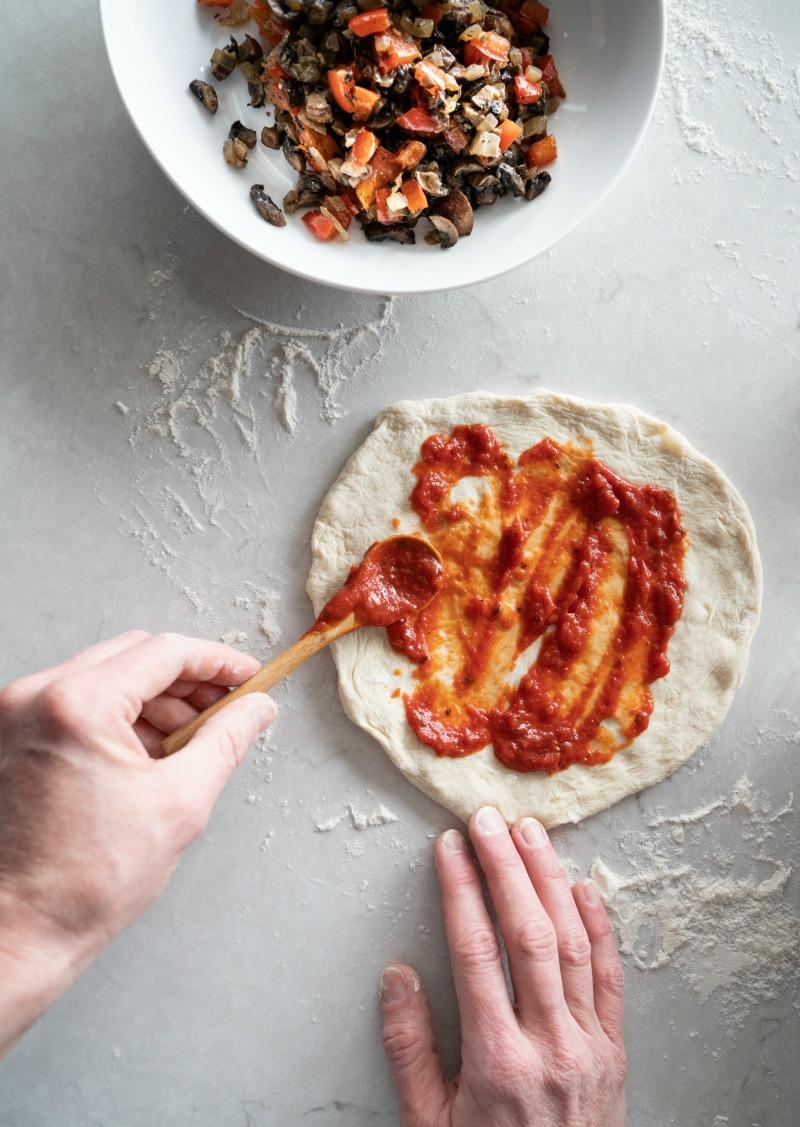 Homemade Pizza Sauce | www.mountainmamacooks.com