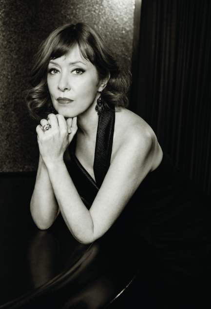 Carnegie partners with Suzanne Vega for online fundraising concert
