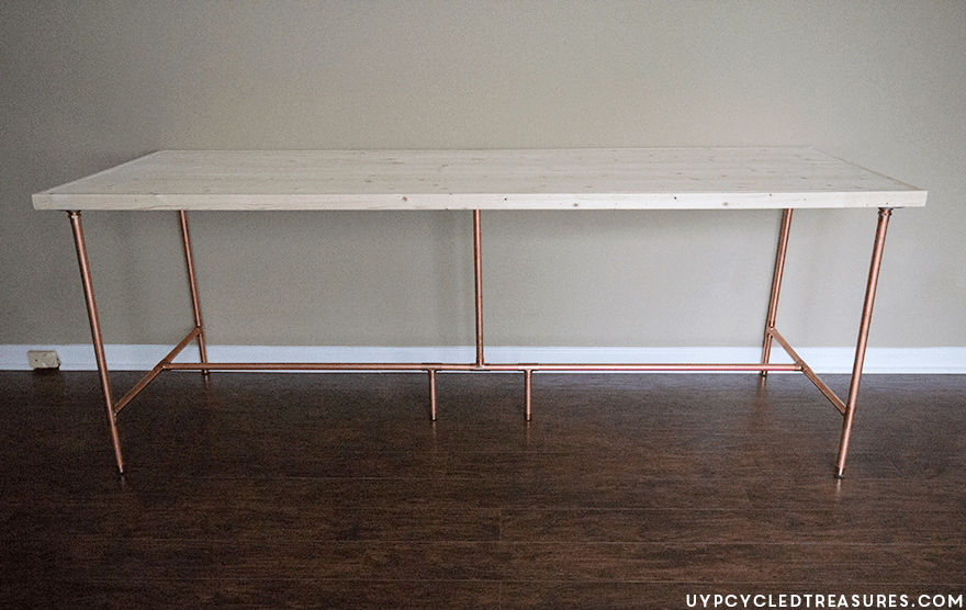 Take a look at this tutorial on how to build a Copper Pipe Desk! I Love the mix of wood and copper for a rustic modern look. MountainModernLife.com