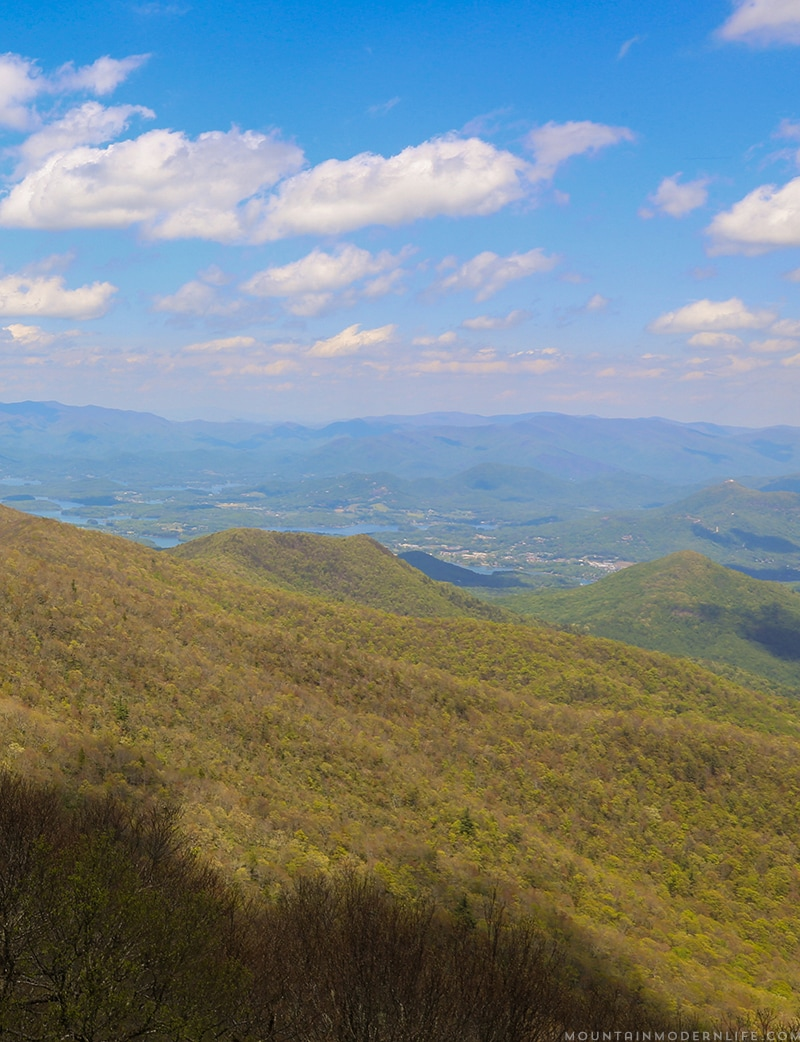 Planning a trip to North Georgia? Check out Brasstown Bald, the views will take your breath away! | MountainModernLife.com