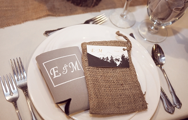 kraft and burlap placesetting