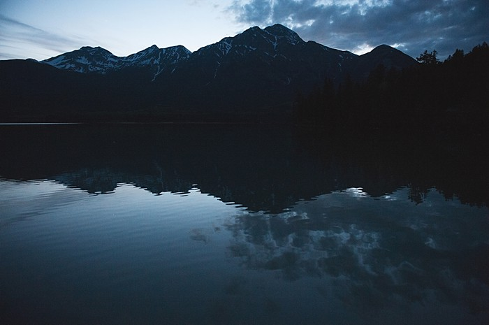 mountain lake at night   Pyramid Lake wedding   Jarusha Brown Photography