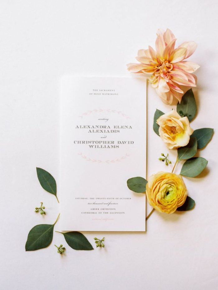 Peach And Yellow Wedding Inspiration | Spiked Cider Cocktail Inspiration