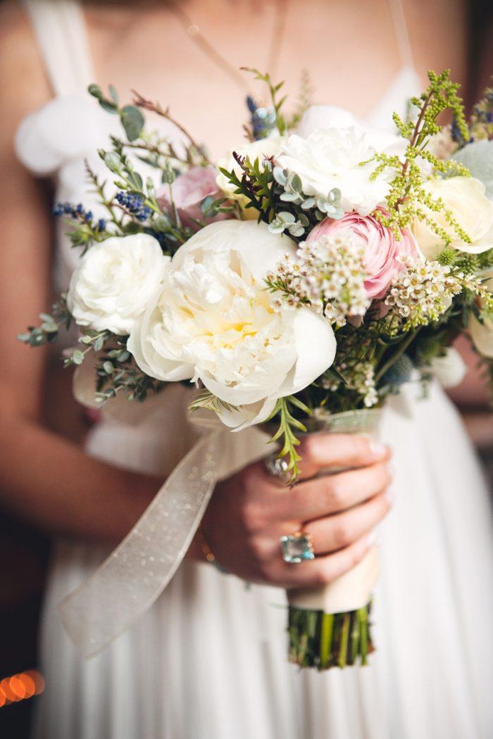 10 Rustic Elegant Bouquet Sandpoint Idaho Mountain Wedding Amy Galbraith Photography   Via MountainsideBride.com