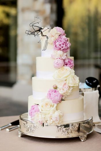 Ski Wedding Cake Topper | Elegant Park City Wedding St Regis Logan Walker Photography | Via MountainsideBride.com
