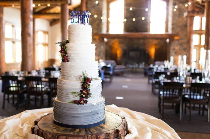 21 Wedding Caket | Keystone Colorado Wedding Mathew Irving Photography | Via MountainsideBride.com